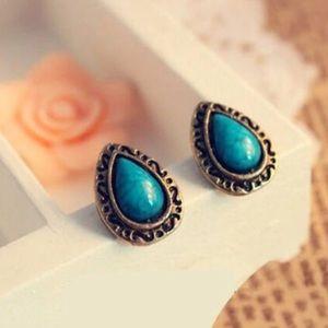 Jewelry - Turquoise drop stud earrings